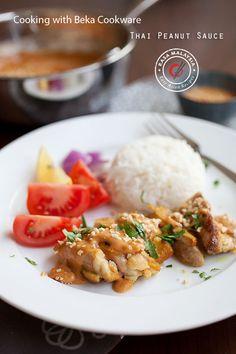 Thai Peanut Sauce recipe. Omnomnom.