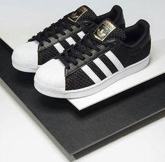 sneakers for cheap 9394a ecc2d 15 Tenis que me harían feliz de por vida Tenis Blancos Adidas, Zapatos  Bonitos,