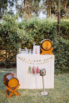 Rincón vino boda / Wine corner wedding. La boda de Paloma & David. Sevilla, 2 de julio de 2016.