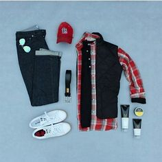 press ❤ if u #like for more inspirational #follow @duoseptember Outfit Credit to @runnineverlong #streetwear#menwithstyle#sharpgrids#outfitgrid#fashion#smart#gentleman#grids#jeans#leatherjacket#sneakers#watch#shirts#dress#code#casualwear#adidas#menwithstreetstyle#leather#bag#boots#winter#season#springisnow#summer#outfitgrid#vans