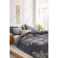 Louise Femme Medallion Duvet Cover ($109) ❤ liked on Polyvore featuring home, bed & bath, bedding, duvet covers, navy blue bedding, navy blue floral bedding, urban outfitters bedding, king size bedding and floral bedding