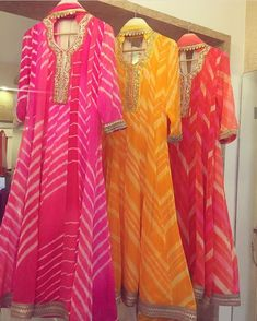 Bandhani dress - Getting festive ready this Diwali Season come let's celebrate festivecollection leheriya traditionalove gettingallfestive diwali pretrange bhumikagrover delhi mumbai Kurta Designs Women, Blouse Designs, Dress Designs, Pakistani Outfits, Indian Outfits, Mehendi Outfits, Indian Attire, Indian Wear, Bandhani Dress