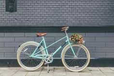 Dutch stereotypes maybe? Tulips and a bike #veloretti