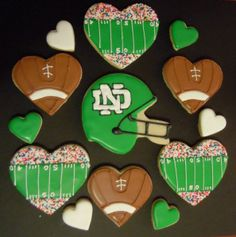 Somebody tried to tell me these were Notre Dame cookies. Except the Irish don't wear green helmets. That's for the REAL UND...THE NORTH DAKOTA FIGHTING SIOUX!!!