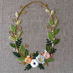 Wonderful Ribbon Embroidery Flowers by Hand Ideas. Enchanting Ribbon Embroidery Flowers by Hand Ideas. Brazilian Embroidery Stitches, Learn Embroidery, Hand Embroidery Stitches, Silk Ribbon Embroidery, Hand Embroidery Designs, Embroidery Techniques, Embroidery Art, Cross Stitch Embroidery, Embroidery Patterns