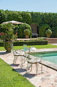 Rustic and elegant: Provençal home, European farmhouse, French farmhouse, and French country design inspiration from Château Mireille. Photo: Haven In. South of France century Provence Villa luxury vacation rental near St-Rémy-de-Provence. French Country Bedrooms, French Country Living Room, French Country Farmhouse, French Countryside, French Country Style, French Country Decorating, French Style Chairs, French Exterior, Provence France