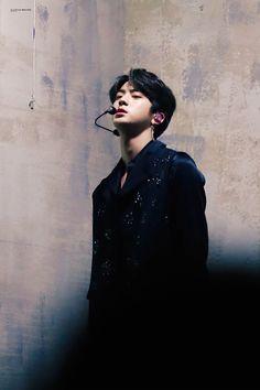 Kim Seokjin ☆ performance ☆ BTS in 2018 Melon Music Award Fake Love Performance ☆ Credits by A Little Braver ☆ Edit by cglassend
