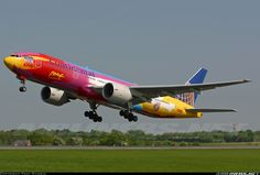 Continental Airlines N77014 Boeing 777-224/ER aircraft picture