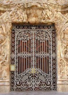 Ornate Door in Valencia, Spain Grand Entrance, Entrance Doors, Doorway, Cool Doors, Unique Doors, Knobs And Knockers, Door Knobs, Gates, Closed Doors