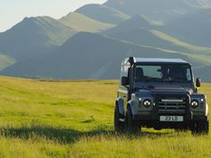LR Defender 90 in epic country