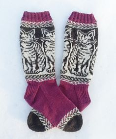 Ravelry: Tabby Cats / Viiksivallut pattern by Lumi Karmitsa Fair Isle Knitting Patterns, Knitting Charts, Knitting Socks, Mittens Pattern, Cat Pattern, Knitted Cat, Thick Yarn, Patterned Socks, Stockinette