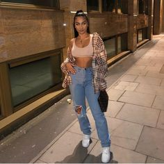 Look at more ideas about Fashion clothes, Swag outfits and Woman style. Chill Outfits, Dope Outfits, Swag Outfits, Retro Outfits, Cute Casual Outfits, Summer Outfits, Fashion Outfits, Fashion Clothes, Fashion Belts