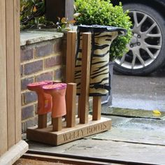 Personalised Wellington Boot Stand | Engraved Solid Oak Welly Storage | Gift Wrapped & Gorgeous
