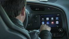 BBC News - CES 2014: Tech firms battle to woo drivers