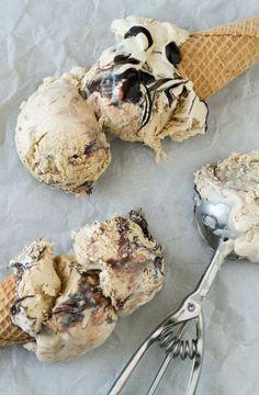 Espresso Kahlua Fudge Swirl Ice Cream - no churn, 5 ingredients | I'm Bored~Let's Go