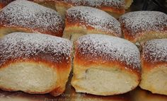 Grandma& Buchteln (from an old cookbook) & Top-Rezepte.de The post Grandma& Buchteln (from an old cookbook) appeared first on Food Monster. Baking Recipes, Snack Recipes, Dessert Recipes, Dessert Food, Dinner Recipes, Tasty Bakery, Homemade Dinner Rolls, Healthy Cake, Healthy Food