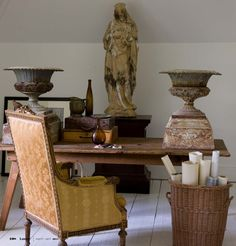 Great Pair of Urns