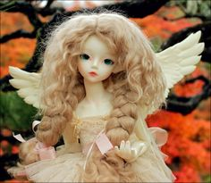 melina-dolls:   Lorelei in Autumn - By riven_tiana on Flickr