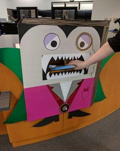 Boo(k)! The Skyline College Library is celebrating Halloween with a Count Bookula bookdrop. School Library Displays, School Library Design, Middle School Libraries, Library Work, Library Bulletin Boards, College Library, Elementary Library, Library Inspiration, Library Ideas