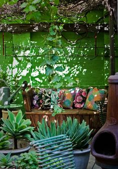 41 Shabby Chic And Bohemian Garden Ideas Shabby Chic And Bohemian Garden Ideas 24 Outdoor Rooms, Outdoor Gardens, Outdoor Living, Rooftop Gardens, Patio Bohemio, Dream Garden, Home And Garden, Bush Garden, Bohemian Patio