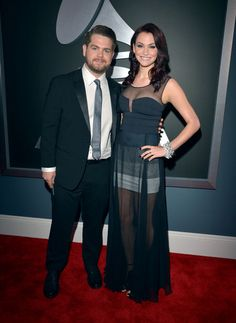 I am oddly IN LOVE with Lisa Stelly's dress from the 2013 Grammy Awards.