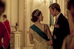 'The Crown' Season 2 Explores Queen Elizabeth's Journey into the '60s - HarpersBAZAAR.com