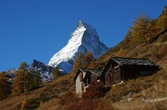 4'478 metres above lea level - the Matterhorn in autumn