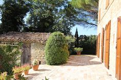 The #properties are delightfully set within four #hectares of mature #gardens and #woodland.