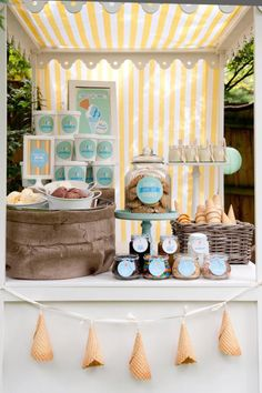 Ice Cream Birthday Party | Table de douceurs | Anniversaire crème glacée | Crédit photo Fiona Handbury via Kiss My Cake