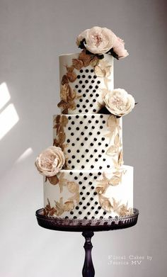 gorgeous wedding cake; Featured Cake: Floral Cakes by Jessica MV