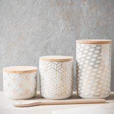Gold details for the kitchen | SONATE faience container H 8 cm | Maisons du Monde