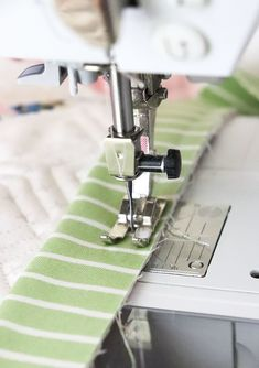 Lella Boutique: The Art of Quilt Binding Machine Binding A Quilt, Quilt Binding, Quilting Tips, Quilting Tutorials, Last Stitch, Quilt Top, Quilts, Sewing, Boutique
