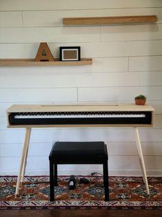 Piano Table, Piano Desk, Keyboard Piano, Piano Room, Piano Living Rooms, Piano Digital, Home Studio Desk, Electric Piano, Mid Century Design