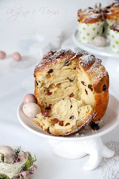 Kulich Bulgarian Recipes, Bread And Pastries, Challah, Camembert Cheese, French Toast, Cooking Recipes, Sweets, Breakfast, Desserts