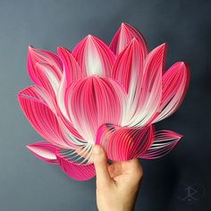 JUDiTH + ROLFE is a collaboration between two artists that takes the craft of paper quilling to new creative heights. Arte Quilling, Paper Quilling Flowers, Quilled Paper Art, Paper Quilling Designs, Quilling Paper Craft, Quilling Patterns, Paper Crafts, Paper Paper, Art Flowers
