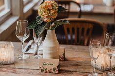Tamari & Lenard – Standesamt Ratingen | LaDü Düsseldorf – Patrycja Janik | Hochzeitsfotografin Nrw Table Decorations, Home Decor, Pictures, Dekoration, Decoration Home, Room Decor, Home Interior Design, Dinner Table Decorations, Home Decoration