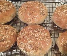 Recipe Multigrain Burger Buns by marinachalmers - Recipe of category Breads & rolls