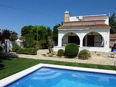 Villa Panni - Private Heated Pool - Superb Location short walk to all amenities   Holiday Rental in Alt Emporda from @HomeAwayUK #holiday #rental #travel #homeaway