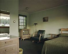 Stephen Shore, Room 11, Star Motel, Manistique, Michigan, July 8, 1973