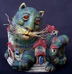Cat - Ceramic sculpture by Roman Khalilov