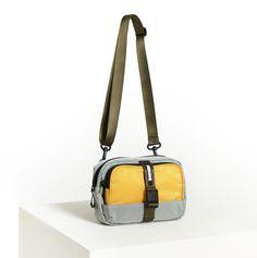Crossbody Bags For Travel, Backpack Travel Bag, Backpack Purse, Chanel Handbags, Black Handbags, Leather Handbags, Edc Bag, Bike Bag, Streetwear
