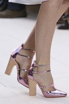 Chloe S/S dream shoes (perhaps because they remind me a lot philosophy di alberta ferretti's from f/w Pretty Shoes, Beautiful Shoes, Cute Shoes, Me Too Shoes, Shoe Boots, Shoes Sandals, Strappy Shoes, Shoe Gallery, Shoe Show
