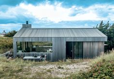 Beautiful summerhouse in Skagen, Denmark, by architect Sebastian. (Style and Create) Tiny House Cabin, My House, Open House, Small Buildings, Forest House, Skagen, Scandinavian Home, Prefab, Modern Architecture