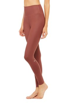 The Alo Yoga Women's High-Waist Airbrush Legging transforms our signature yoga pant. Our high-waist legging offers a slimming performance fabric. Women's Leggings, Black Leggings, Wear Test, Women's Bottoms, Comfort Design, Workout Accessories, Yoga Wear, Barre, Airbrush