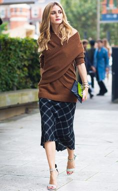 Olivia Palermo before Christopher Kane fashion show. The post London SS 2017 Street Style: Olivia Palermo appeared first on STYLE DU MONDE Fashion Mode, Look Fashion, Autumn Fashion, Fashion Tips, Olivia Palermo Street Style, Olivia Palermo Winter Style, Olivia Palermo Lookbook, Street Style 2017, Fashion Week Paris