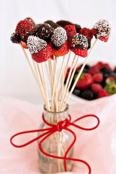 Chocolate Dipped Berries with Sprinkles Recipe Chocolate Dipped Strawberries, Chocolate Sprinkles, Chocolate Chocolate, Homemade Chocolate, Wedding Strawberries, Chocolates, Fruit Sticks, Sprinkles Recipe, Fruit Skewers