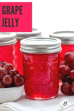 Making homemade grape jelly is easy if you follow a step by step process. This grape jelly recipe is adapted from the directions on the Certo Liquid Fruit Pectin box. It's a two-day process so plan ahead. #grape #jelly #canning #preserving #glutenfree Easy Canning, Canning Recipes, Jelly Recipes, Sweet Recipes, Cake Recipes, Homemade Grape Jelly, Grape Jam, Marmalade Recipe, Jam And Jelly