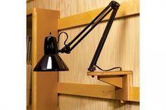 Workshop Light Support Woodworking Plan - so practical the French Cleat system Woodworking Workshop, Woodworking Jigs, Woodworking Projects, Woodworking Basics, Woodworking Machinery, Woodworking Techniques, Workshop Design, Workshop Storage, Wood Workshop
