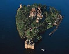 boldt castle, thousand islands alexandria bay upstate ny - probably my favorite island , havent been in years ): New York Bucket List, Alexandria Bay, New York Hotels, Thousand Islands, American Tours, Medieval Castle, Beach Scenes, Great Lakes, Heaven On Earth