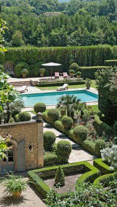 Country Farmhouse Decor, French Farmhouse, French Country Decorating, French Patio, Farmhouse Design, French Pool, Modern Farmhouse, Farmhouse Garden, Garden Cottage